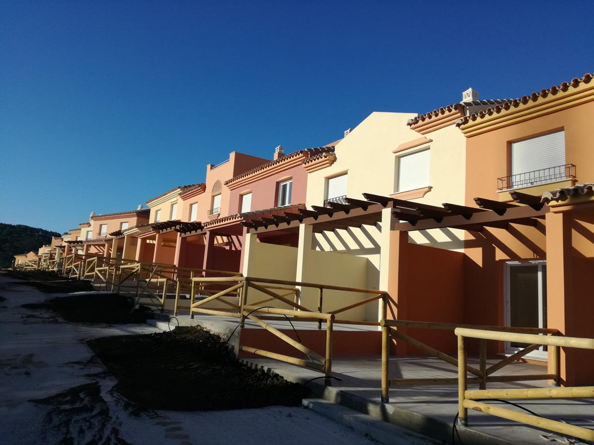 Trabajos de pintura integral zahara de los atunes c diz - Pintores de viviendas ...
