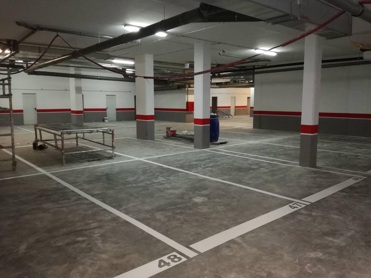 Pintura y se alizaci n de parking pinturas losan for Pintura suelo parking