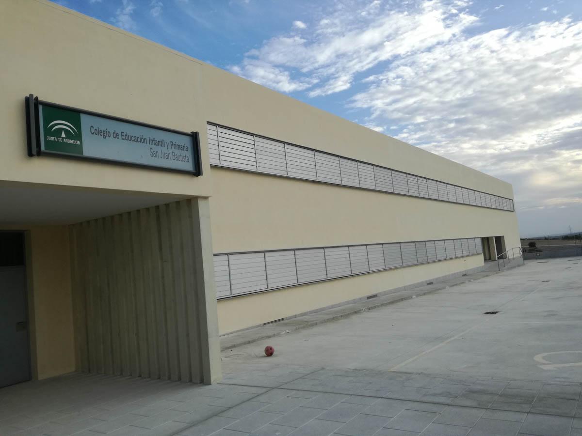 Trabajos de pintura en CEIP San Juan Bautista de Las Cabezas S. Juan